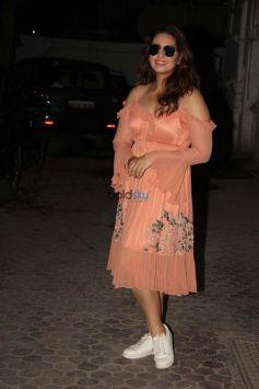 Huma Qureshi Spotted At Santacruz