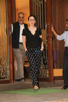 Karisma Kapoor Spotted At Jet Gems Jewellery Store Bandra