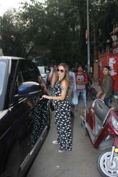 Malaika Arora Khan Spotted At Pali Hill Market In Bandra