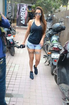 Malaika Arora Spotted At Bandra
