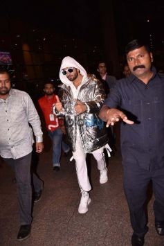 Ranveer Singh And Jacqueline Fernandez Spotted At Airport