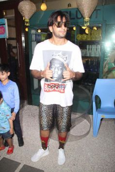 Ranveer Singh Spotted At B-blunt