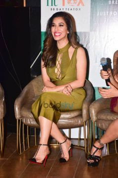 Sophie Choudry Launch Own Tea Brand 'Fittox'