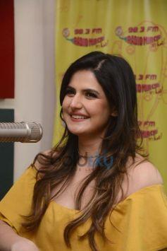 Zarine Khan Promoting Aksar 2 At Radio Mirchi