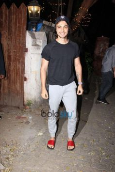 Aayush Sharma Spotted At Dance Class At Bandra