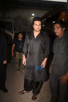 Dharmendra And Neil Nitin Mukesh On The Sets Of The Drama Company