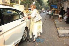 Helen Spotted At Korner House In Bandra