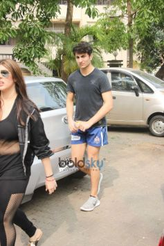 Ibrahim Ali Khan Spotted At Gym In Bandra
