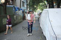 Imran Khan Spotted At Bandra