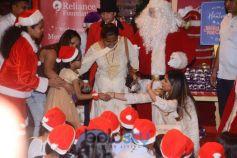Isha Ambani At Hamley Christmas Event For Less Privileged Kids
