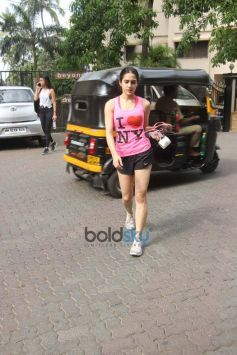 Sara Ali Khan Spotted At Gym In Bandra