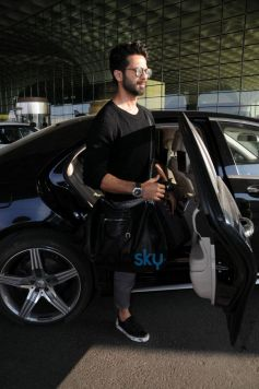 Shahid Kapoor Spotted At Airport