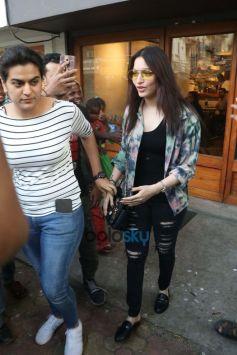 Tamanna Bhatia Spotted At Bandra