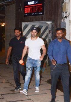 Varun Dhavan And Kartik Aryan Spotted At Gym Body Scluptor In Juhu