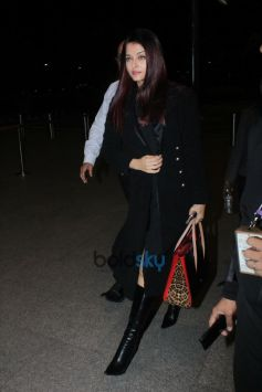 Aishwarya Rai Bachchan Spotted At Airport