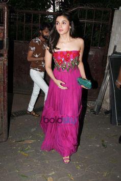 Alia Bhatt Spotted At Pali Hill In Bandra