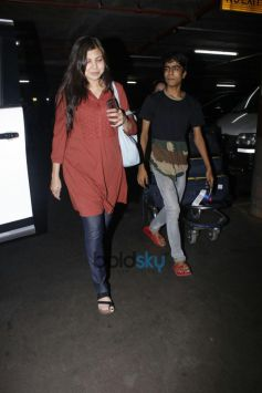 Alka Yagnik Spotted At International Airport