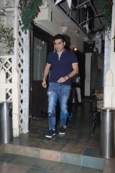 Arbaaz Khan Spotted With Girlfriend At Smoke House Bandra