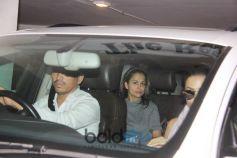 Kareena Kapoor Khan, Malaika Arora , Amrita Arora Spotted In Bandra