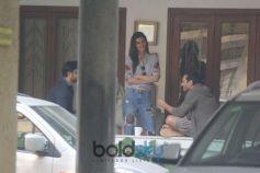 Kriti Sanon Spotted At Bandra