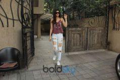 Kriti Sanon Spotted At BBLUNT Salon Juhu