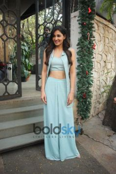 Pooja Chopra Spotted At Corner House