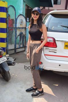 Rakul Preet Singh Spotted At Ganesh Acharya Studio For Dance Reasal