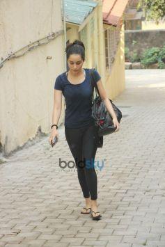 Shraddha Kapoor Spotted At Bandra