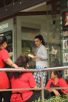 Soha Ali Khan Spotted At Bandra