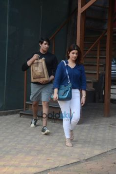 Twinkle Khanna Spotted With Son In Juhu