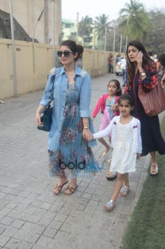 Twinkle Khanna With Daughter Nitara Spotted At Juhu PVR