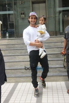 Aayush Sharma With Son Ahil Spotted At Bandra