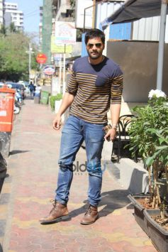 Ali Fazal Spotted At Bandra