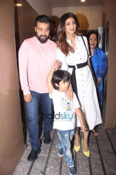 Raj Kundra And Shilpa Shetty Snapped With Her Mother At PVR Juhu