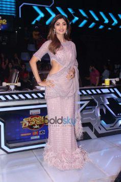 Sonakshi Sinha On Set Super Dancer Chapter 2