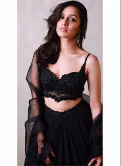 Actress Who Look Gorgeous In Black Outfit Photos