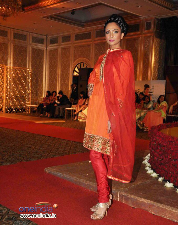 Sonakshi Sinha at Maheka Mirpuri's Show