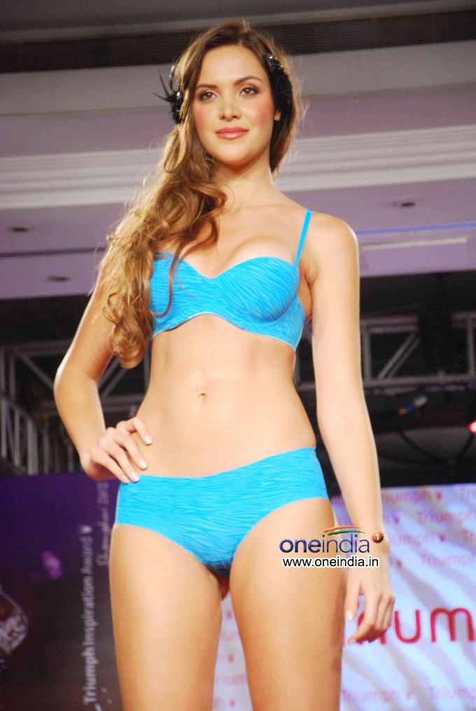 Triumph Fashion Show 2012   Inspiration Award