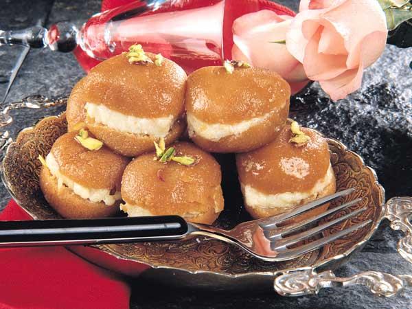 Malai Gulab Jamun: Rakhi Sweet