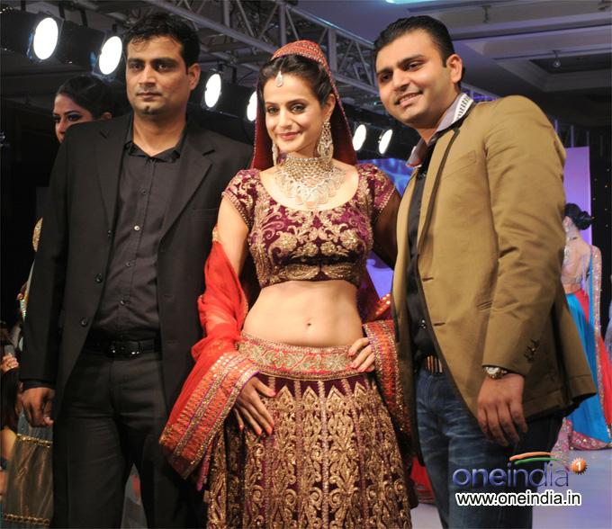 Anand Sakariya, Ameesha Patel and Sunny Sakaria