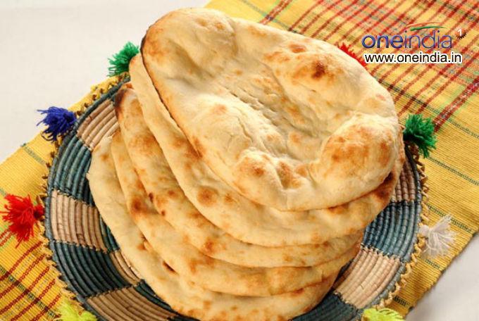 Khameeri (Yeast) Naan Recipe