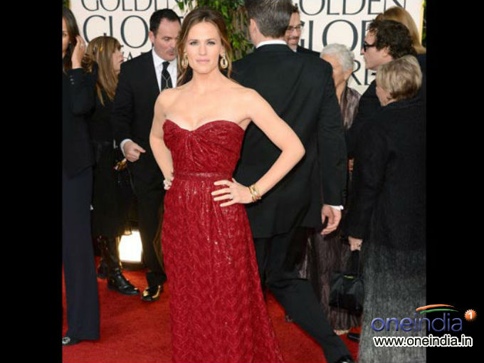 Celebs Sizzle At Golden Globe Awards 2013
