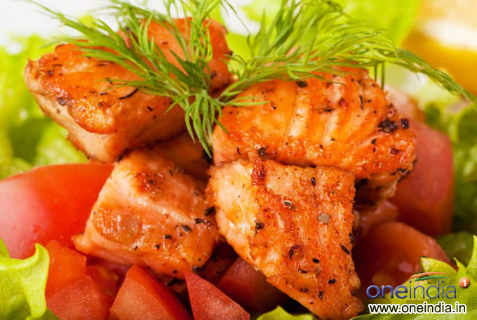 7 healthy ways to cook fish photos pics 231015 boldsky for Best way to cook fish