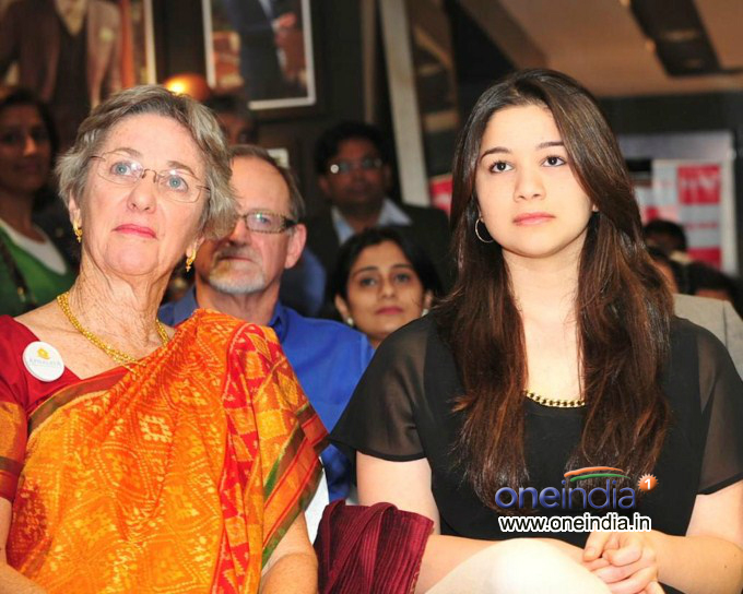 Anjali Tendulkar Launches Apnalaya NGO New Logo at The Raymond Shop