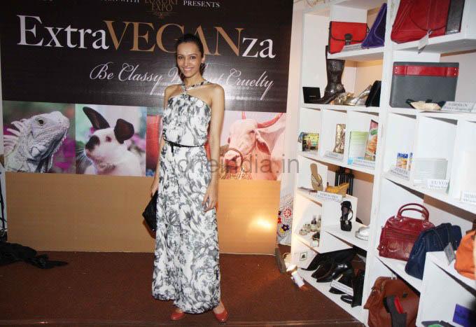 PETA promotes Extra-Vegan-Za at Indian Luxury Expo
