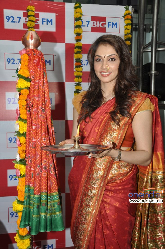 Isha Koppikar celebrates Gudi Padwa at 92.7 BIG FM