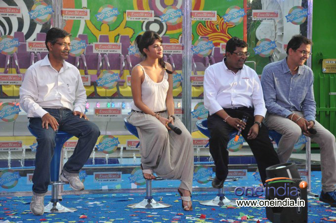 Jacqueline Fernandez Launches New Ride at Essel World