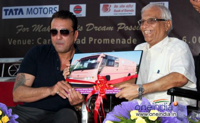 Sanjay Dutt inaugurate Mobile Mammography Unit