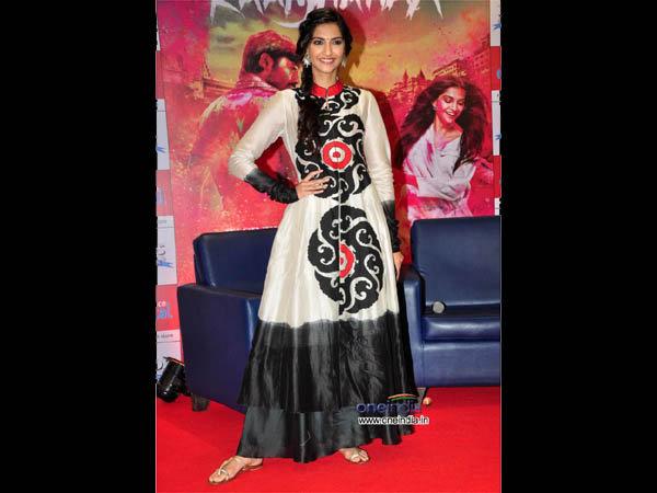 Sonam Kapoor In Poonam Bhagat Taika