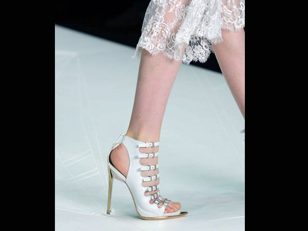 Best Accessories For White Dress